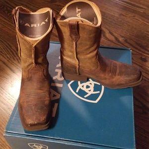 Boys Ariat Rambler Boots Size 1.5